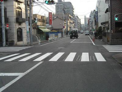 2006127_1